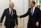 Staffan de Mistura and Sergey Lavrov
