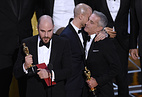 """Продюсер фильма """"Ла-ла Ленд"""" Джордан Горовиц по ошибке принимает """"Оскар"""" в номинации """"Лучший фильм"""""""