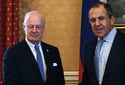 Спецпосланник ООН по Сирии Стаффан де Мистура и министр иностранных дел России Сергей Лавров