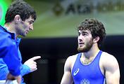 Исмаил Мусукаев (справа)