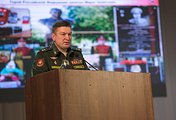 Командующий войсками ЦВО генерал-лейтенант Александр Лапин на встрече со студентами и рабочими УГМК