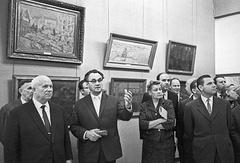 Никита Хрущев на выставке, посвященной 30-летию МОСХ в Манеже, 1962 год