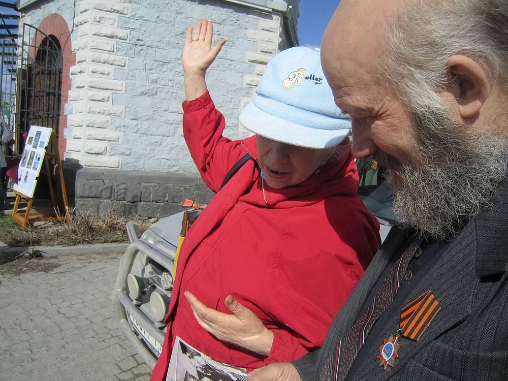 Татьяна Лопата, бывшая жительница Водонапорной башни и Геннадий Комков, хранитель коллекции Водонапорной башни