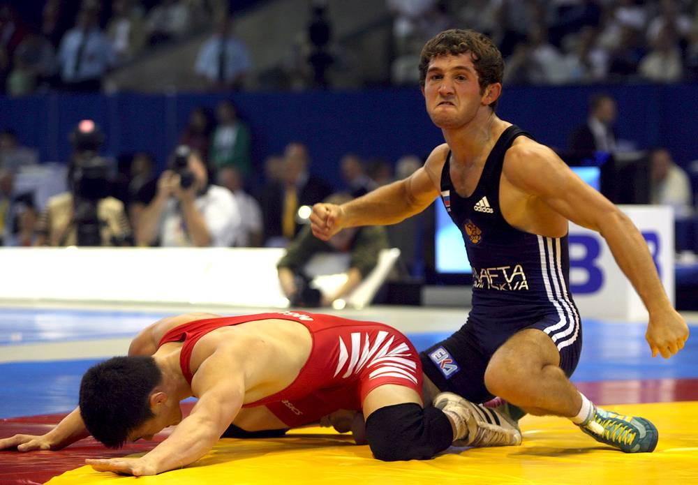 Радость от победы на мировом первенстве 2007 года в Баку