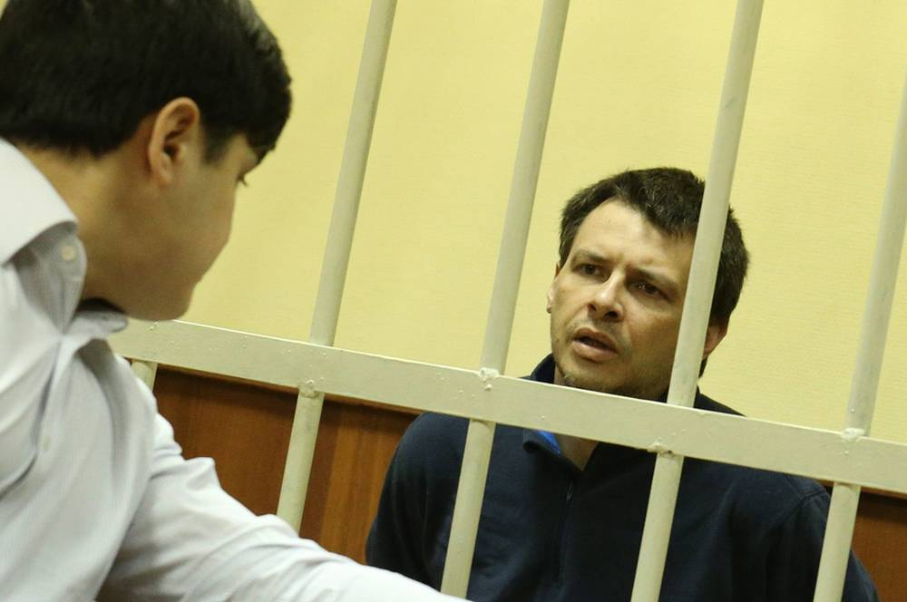 Алексей Кабанов, обвиняемый в убийстве жены Ирины Кабановой, во время оглашения приговора в Головинском суде