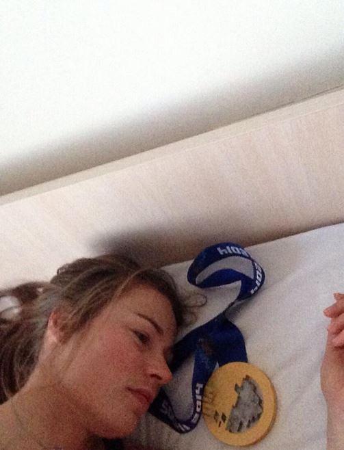 Счастливая обладательница золотой медали в скоростном спуске словенка Тина Мазе. Также спортсменка завоевала золото в гигантском слаломе