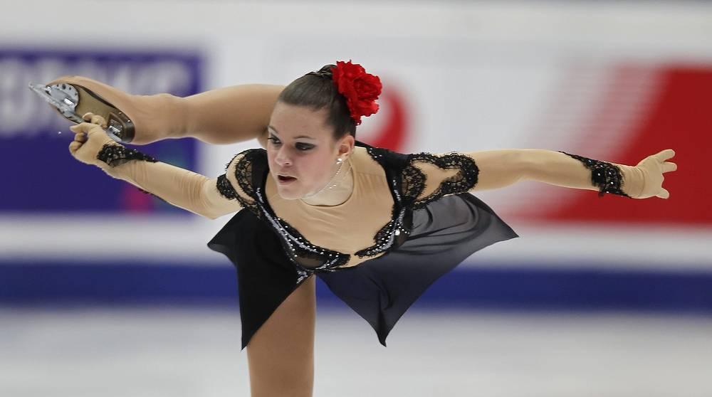 В сезоне-2011/12 выиграла бронзу на взрослых этапах серии Гран-при на Кубке Китая и Кубке России. В декабре 2011 года Сотникова впервые победила на взрослом турнире в Загребе, а потом и стала трехкратной чемпионкой России