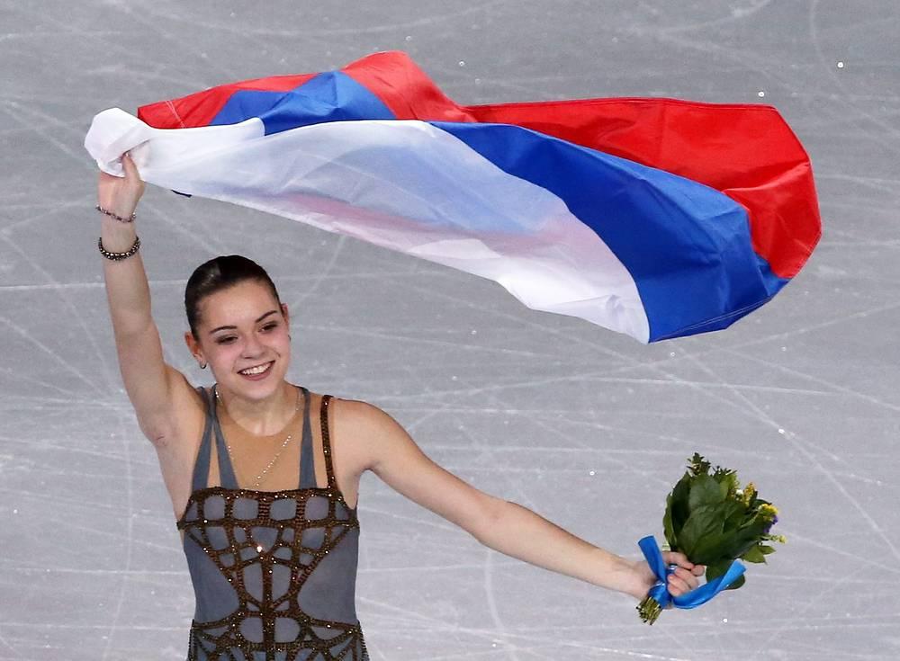 Аделина Сотникова завоевала золото Олимпиады в Сочи в одиночном катании, показав результат 224,59 балла. Олимпийское золото Сотниковой стало первым в истории советского и российского женского одиночного катания
