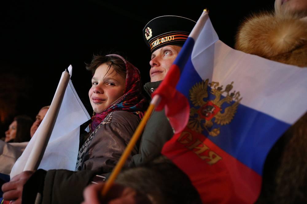 Народные гуляния в день референдума на улицах Севастополя