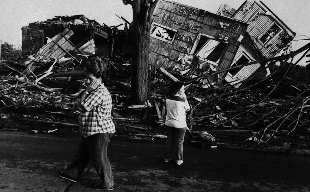 31 мая 1985 года 93 человека погибли и более 2 тыс. были ранены, когда серия торнадо пересекла северо-восток США, пройдя по территории трех штатов - Огайо, Пенсильвании и Нью-Йорка