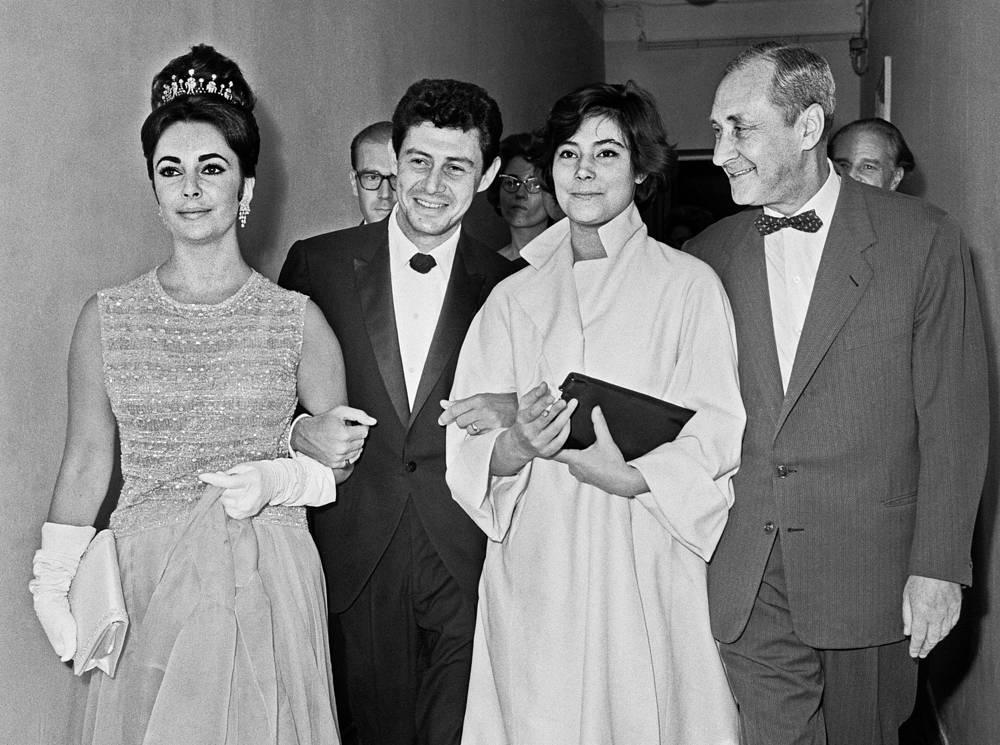 Элизабет Тейлор, Эдди Фишер, Татьяна Самойлова и Сергей Юткевич, 1961 год