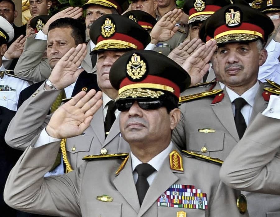 Абдель Фаттах ас-Сиси - бывший первый заместитель премьер-министра, министр обороны и военной промышленности Египта, фельдмаршал. Его приоритеты - обеспечение безопасности, выход из экономического кризиса