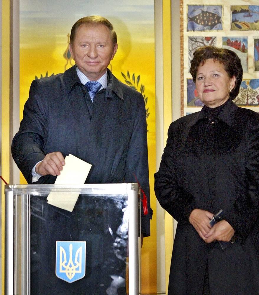 Людмила Кучма - жена второго президента Украины Леонида Кучмы. С 2004 года Людмила - специальный посланник ЮНЕСКО в деле содействия молодым талантам