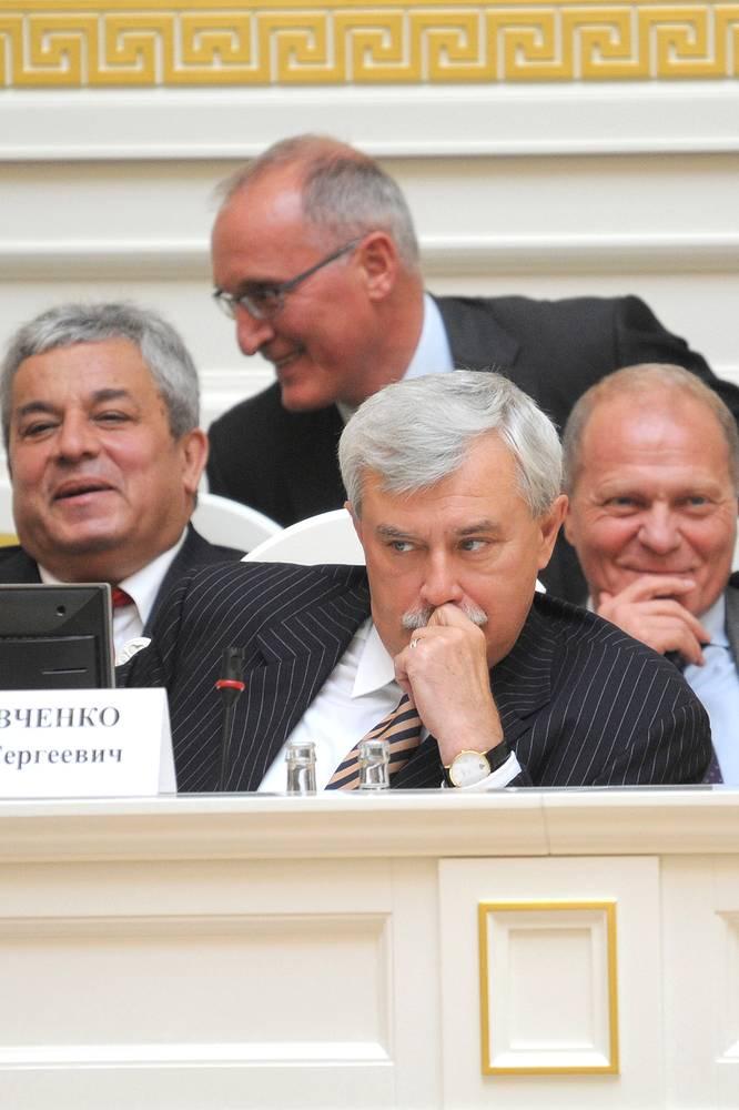 Губернатор Санкт-Петербурга Георгий Полтавченко во время заседания законодательного собрания Санкт-Петербурга. 2011 год