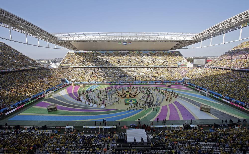 """В Сан-Паулу на стадионе """"Арена Коринтианс"""" прошла церемония открытия чемпионата мира по футболу в Бразилии"""