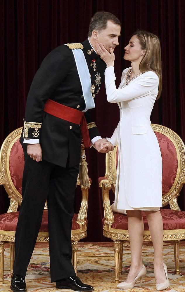Новый король Испании Фелипе VI и королева Летисия