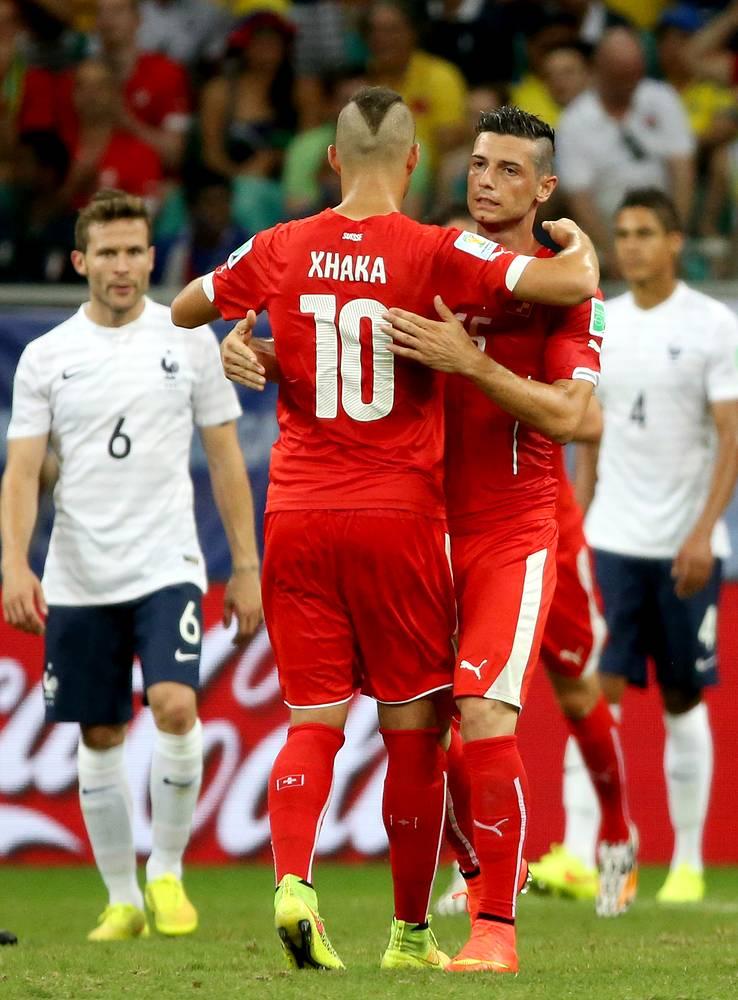 За последние десять минут швейцарцы смогли отквитать два мяча – точными ударами отметились Блерим Джемаили и Гранит Джака