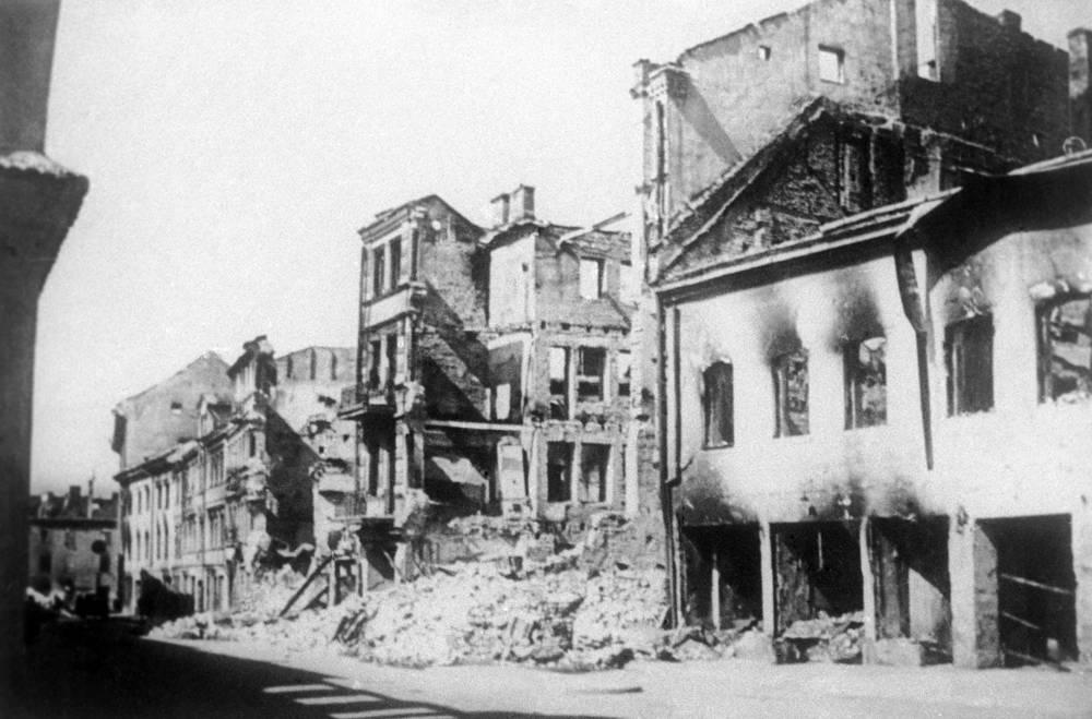 Городские кварталы Вильнюса после освобождения от немецко-фашистских захватчиков, июль 1944 года