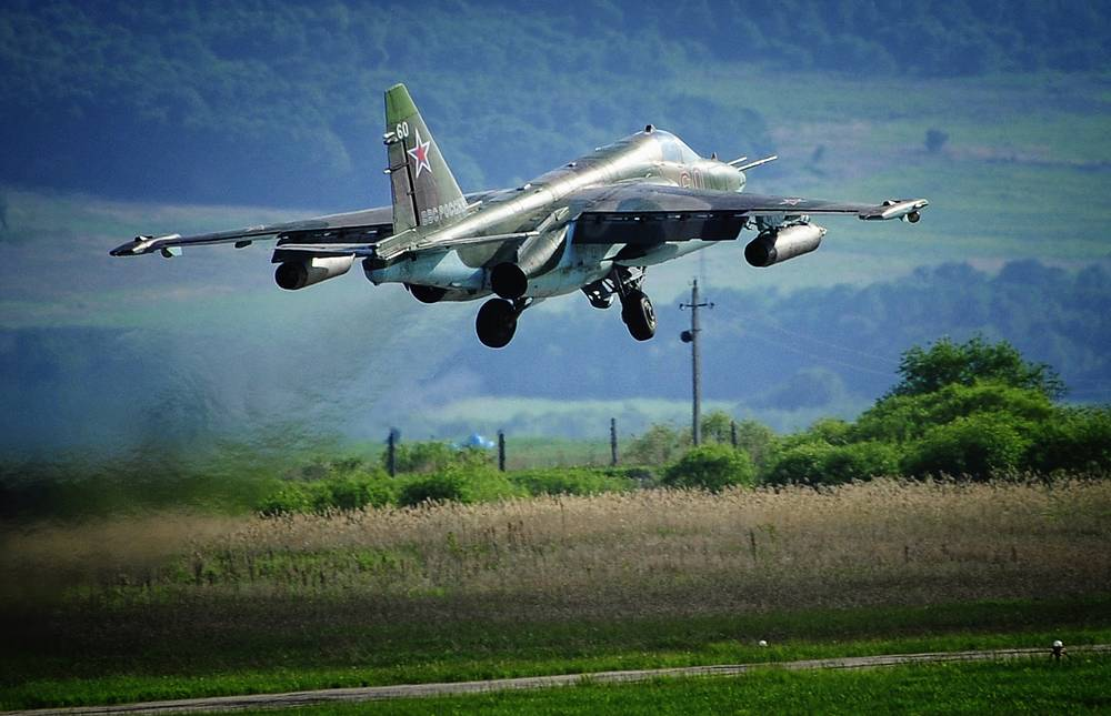 """Дозвуковой штурмовик Су-25 """"Грач"""""""