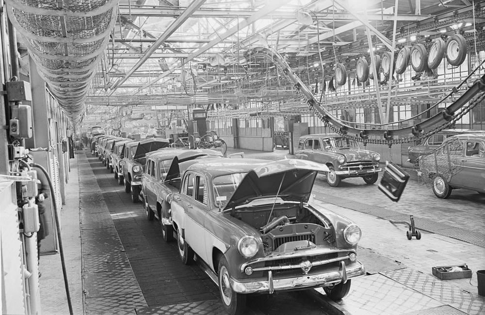 На Московском заводе малолитражных автомобилей, 1950-е годы
