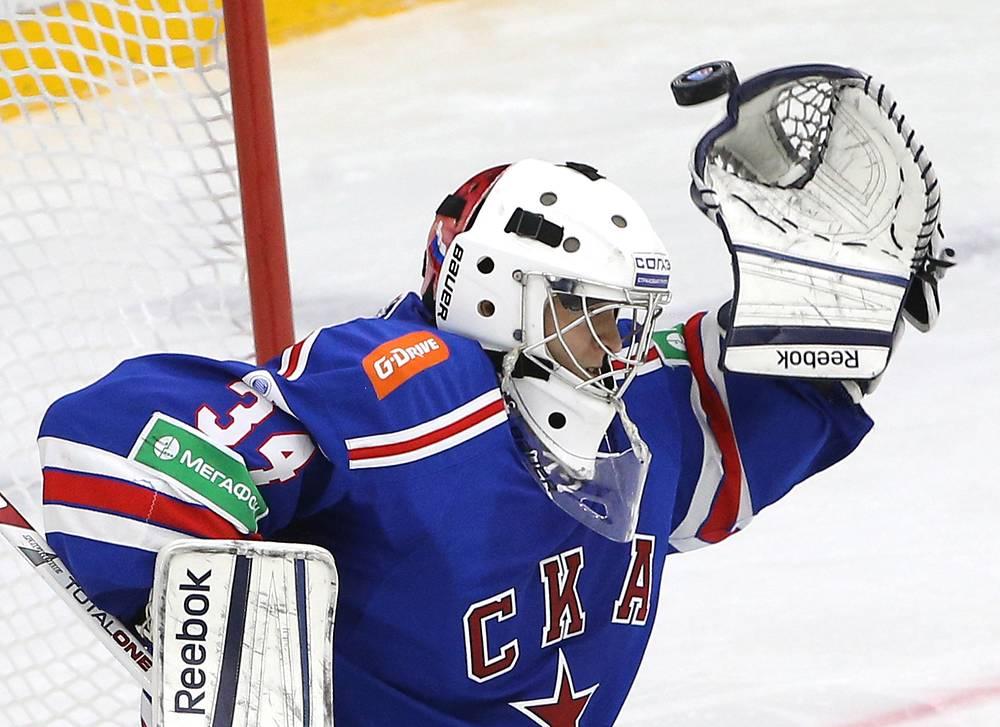 Голкипер СКА Евгений Иванников