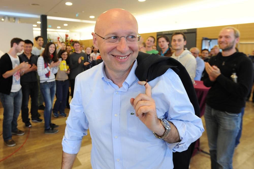 Штефан Хелль в Институте биофизической химии Макса Планка в городе Геттингене в день получения премии
