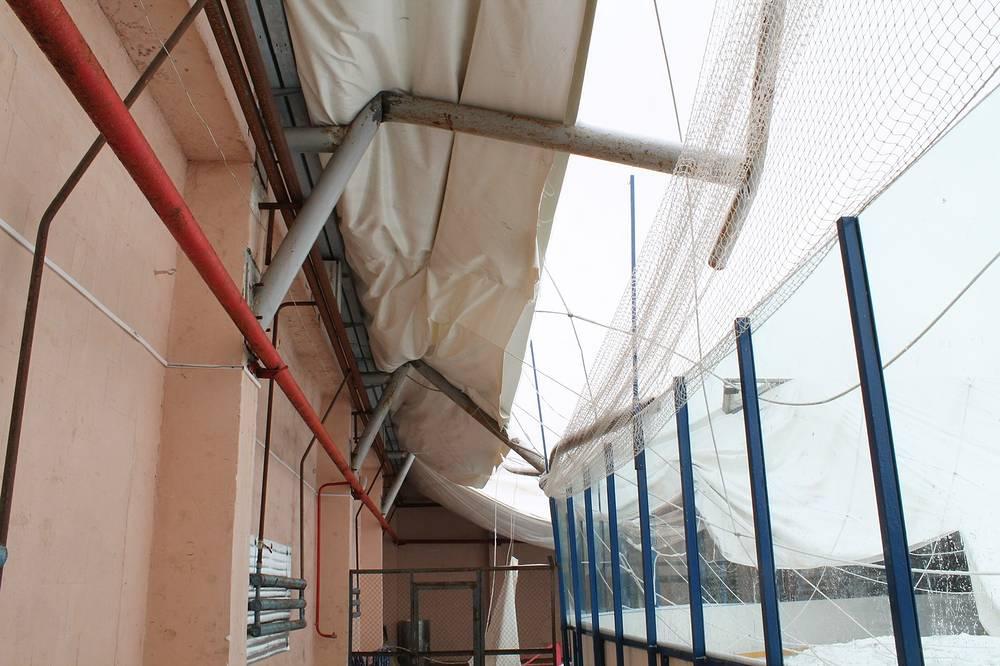 Физкультурно-оздоровительного комплекс, пострадавший из-за метеоусловий