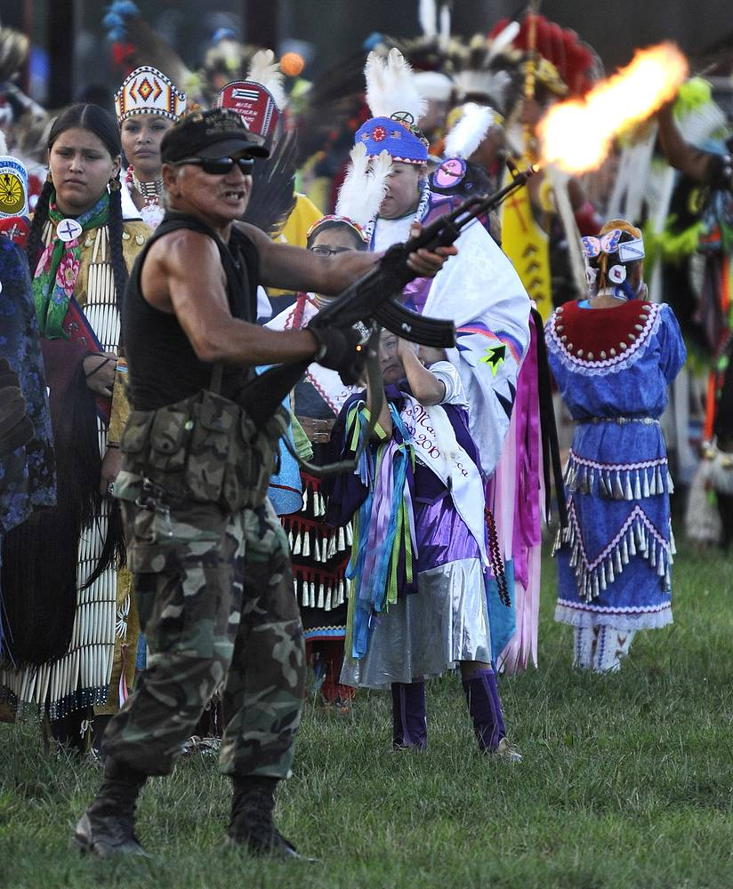 США. Племя лакота  в индейской резервации Пайн-Ридж в Южной Дакоте