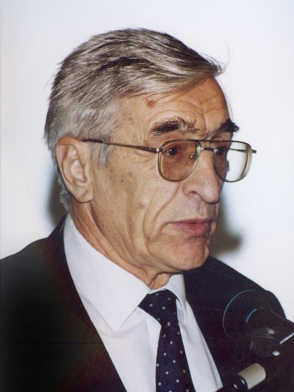 Олег Нефедов - химик, вице-президент Академии наук в 1988-2001 годах