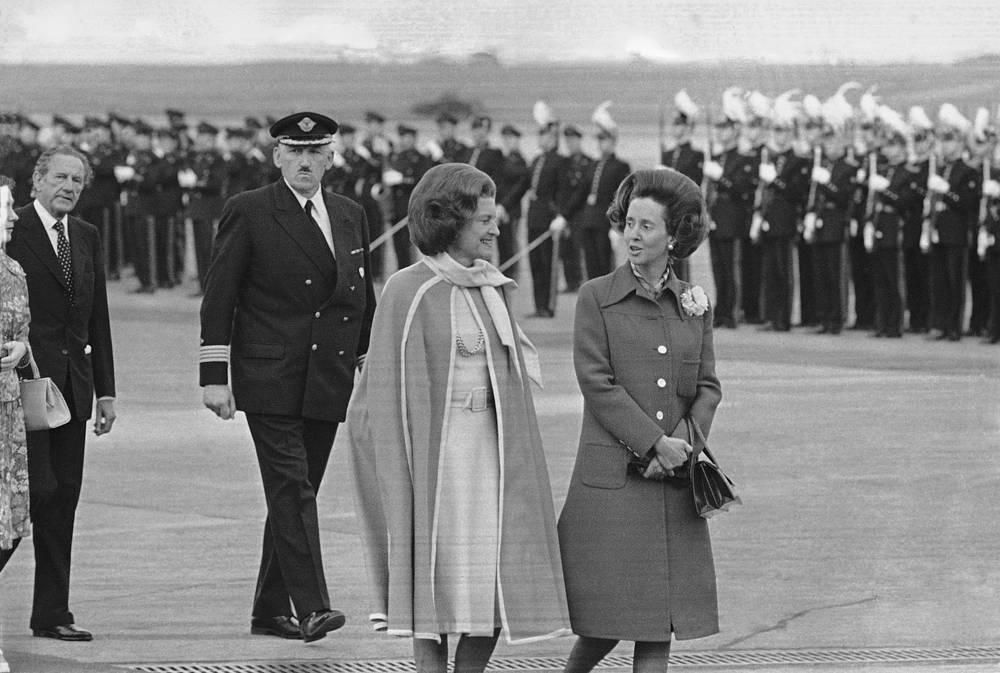 Королева Бельгии Фабиола с Бетти Никсон, супругой президента США Ричарда Никсона, 1975 год