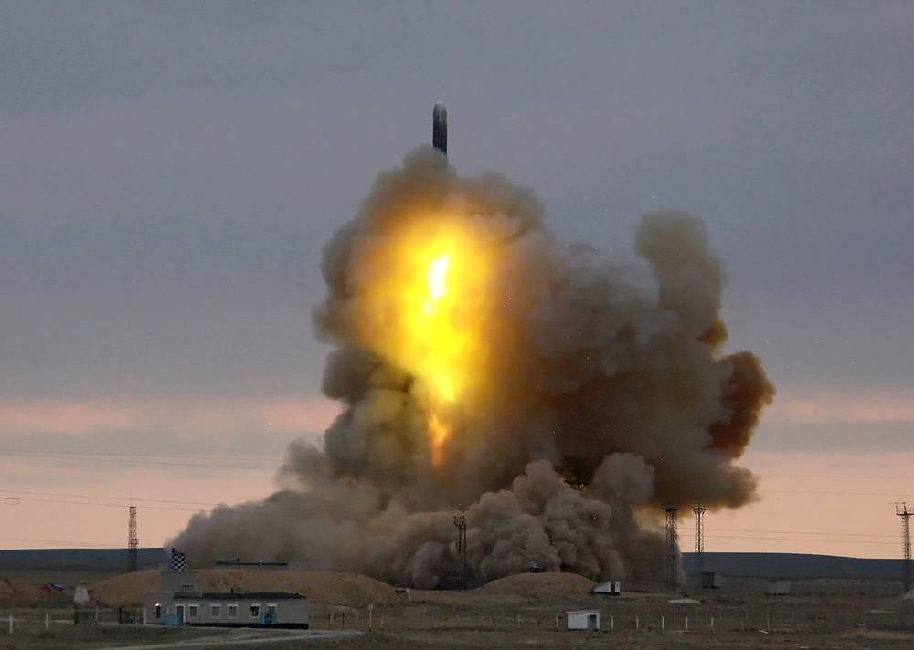 Опытно-испытательный пуск межконтинентальной баллистической ракеты РС-18 (код НАТО SS-19 Mod 3 Stiletto). Казахстан, Байконур, 2006 год