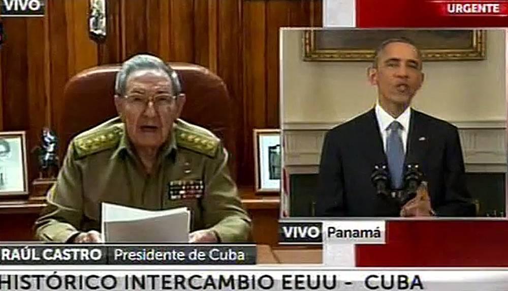 """По словам кубинского лидера Рауля Кастро, решение президента США Барака Обамы начать нормализацию отношений с Гаваной """"заслуживает уважения и признания"""" кубинского народа. На фото: выступления Барака Обамы и Рауля Кастро, во время которых они подтвердили намерение возобновить дипломатические отношения между двумя странами"""