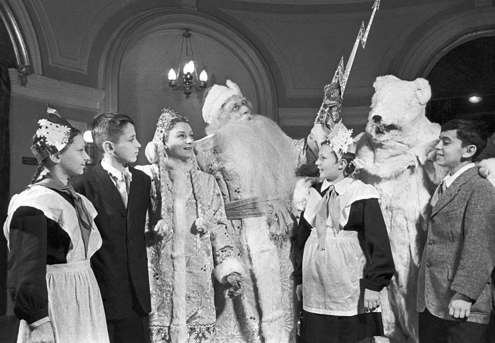 Новогодняя елка в Колонном зале Дома союзов, Москва, 1953 год