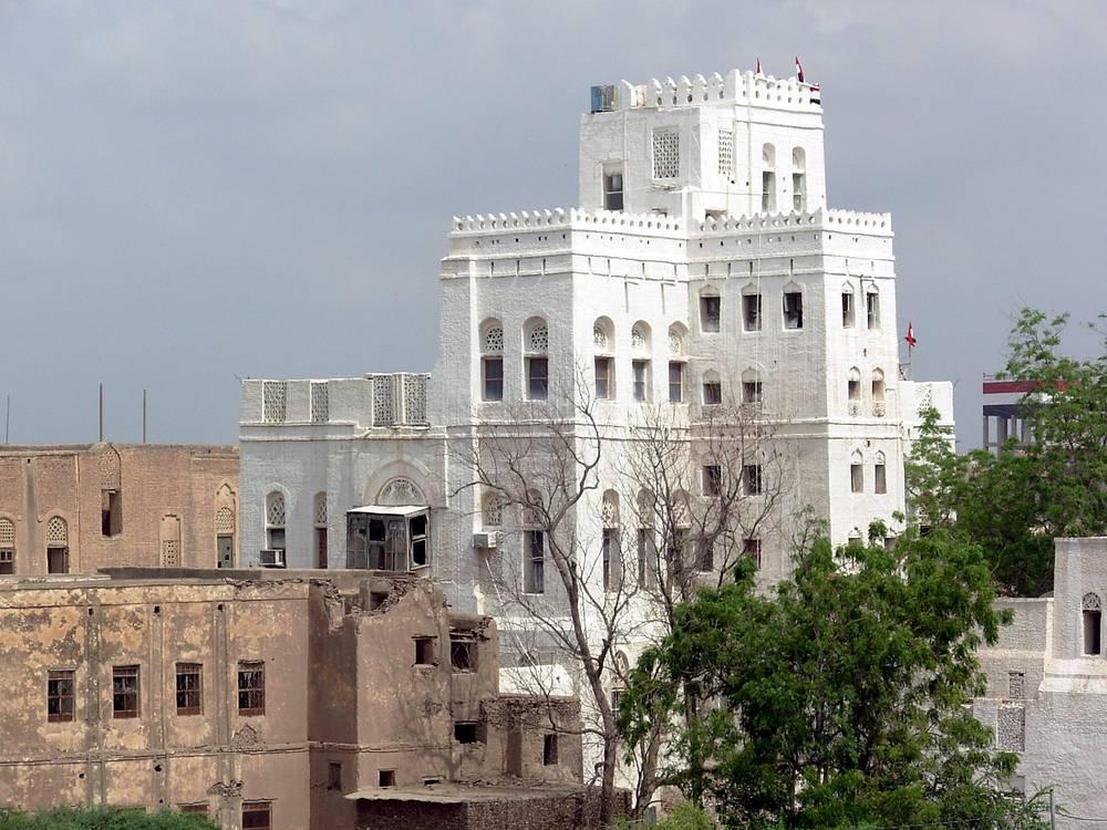 Отреставрированное здание в старом городе Забид. Город был столицей Йемена с XIII по XV век и являлся центром образования и науки. С 1993 года входит в список всемирного наследия ЮНЕСКО