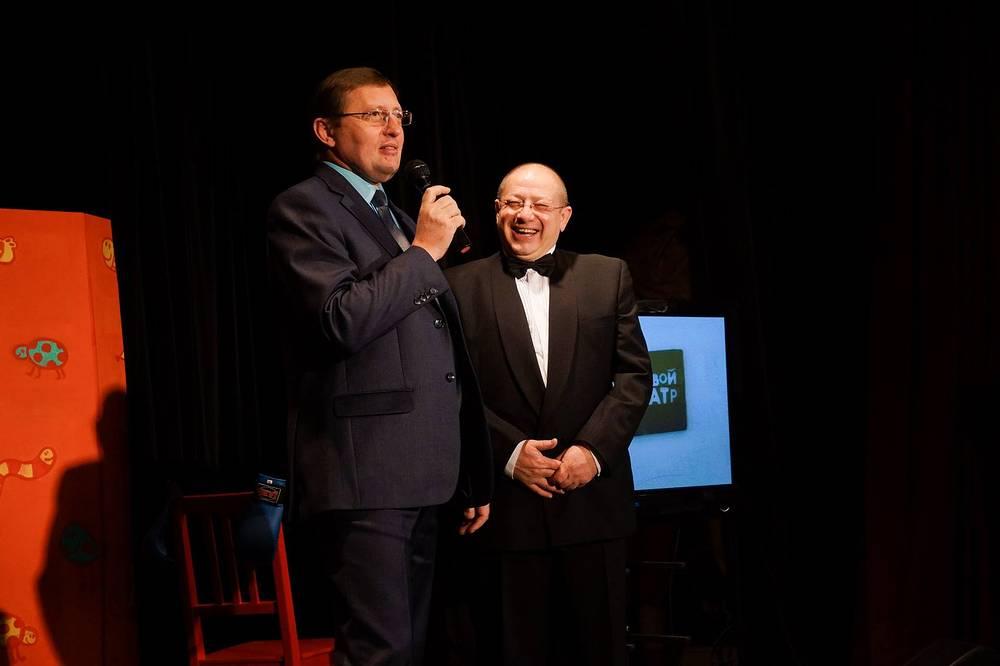 Министр культуры Свердловской области Павел Креков и композитор Александр Пантыкин (слева направо)