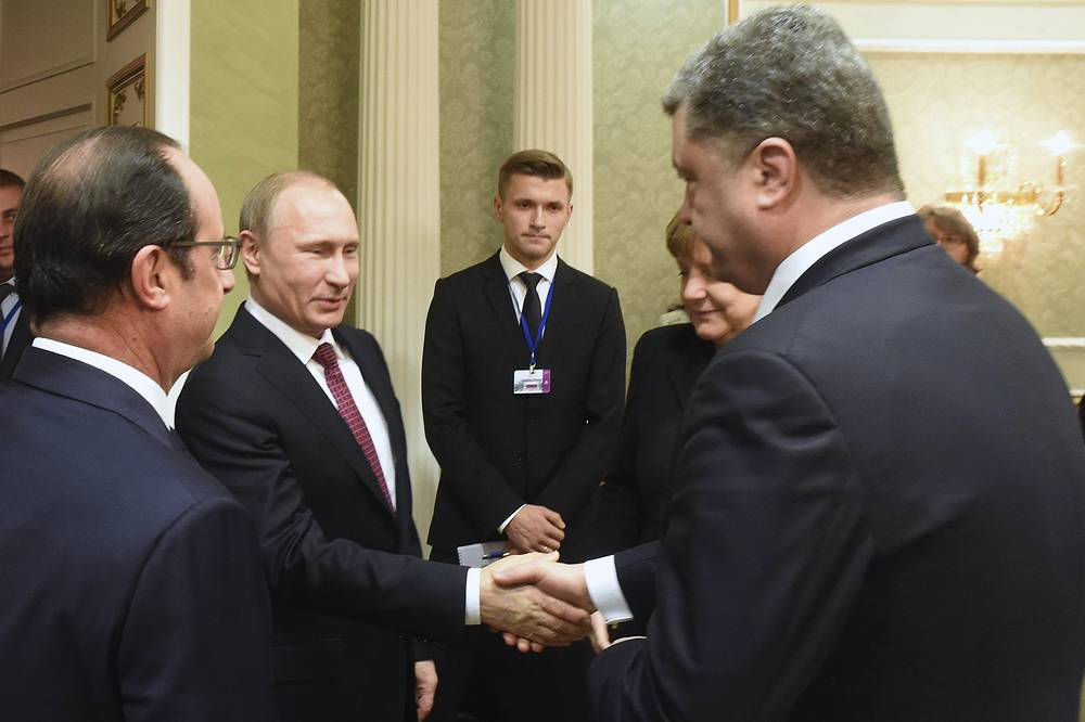 До начала встречи наблюдателей волновал вопрос, пожмут ли друг другу руки Путин и Порошенко