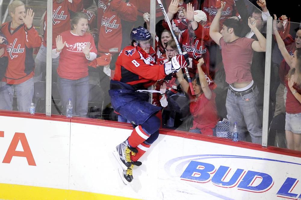 """10 декабря 2008 года Овечкин подписал новый контракт с """"Вашингтоном"""", ставший рекордным в истории НХЛ"""