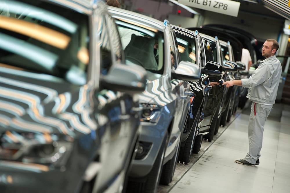 12 марта 2015 г. Audi прекратила сборку на заводе Volkswagen в Калуге моделей Q5, Q7 и A7. Таким образом, ассортимент собираемых в России моделей Audi был сокращен в два раза