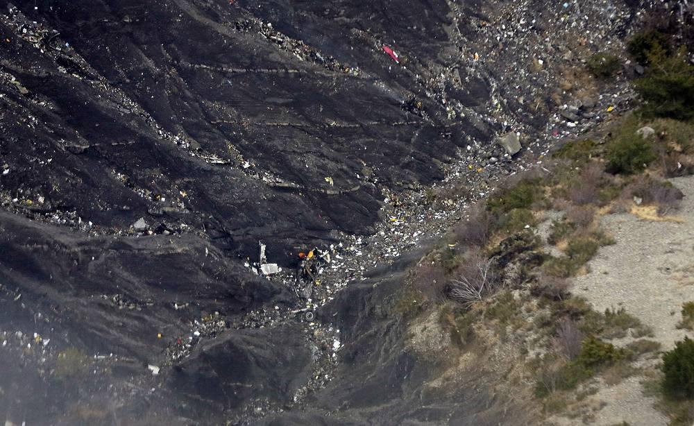 Крушение произошло в районе труднодоступного горного массива Труа-Эвевше в Альпах Верхнего Прованса