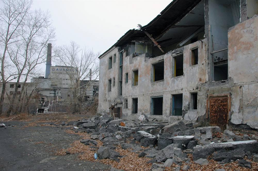 На одной из улиц города Карабаш. 2010 год
