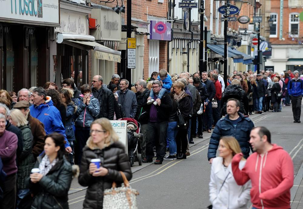 В связи с событием мэрия Лестера прогнозировала увеличенный поток туристов, желающих стать свидетелями события