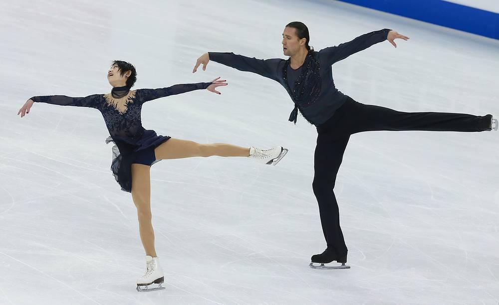 Лучший результат среди российских дуэтов в соревнованиях спортивных пар на чемпионате мира показали Юко Кавагути и Александр Смирнов - они заняли пятое место