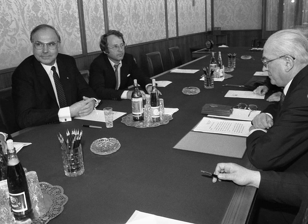 Генеральный секретарь ЦК КПСС Юрий Андропов и канцлер ФРГ Гельмут Коль в Кремле, 5 июля 1983 года