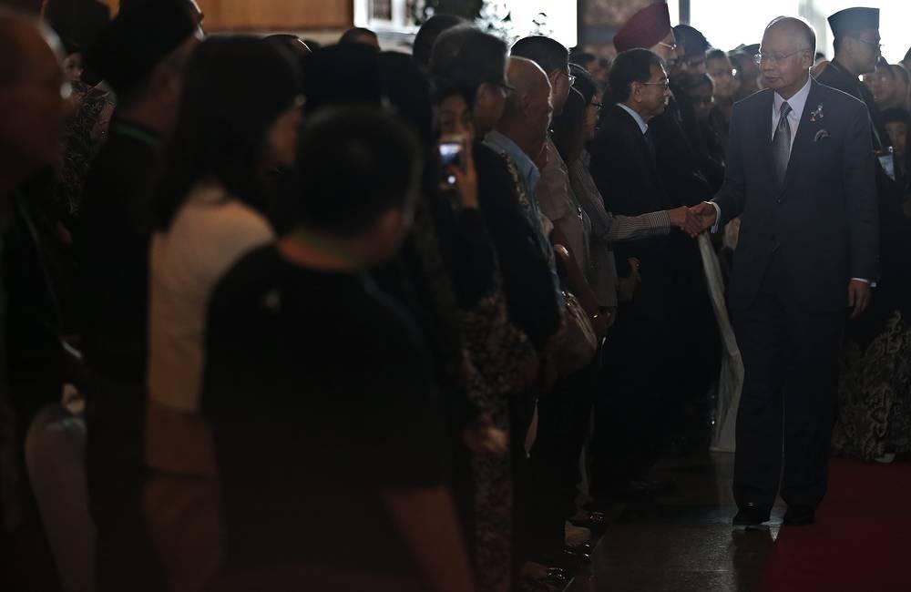 Наджиб Разак на траурной церемонии, приуроченной к годовщине крушения Boeing-777