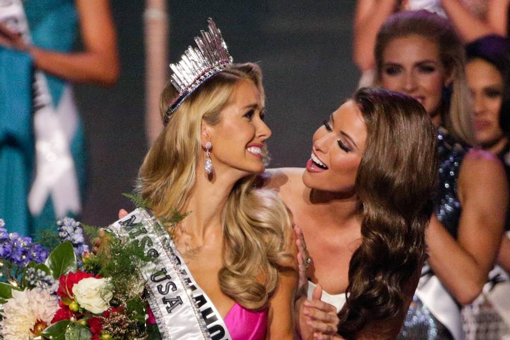 """Победительница 64-го ежегодного конкурса красоты """"Мисс США"""" Оливия Джордан и Мисс США-2014 Ниа Санчес"""
