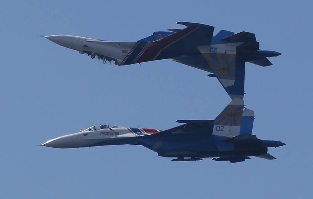 Су-27 - многоцелевой всепогодный истребитель четвертого поколения предназначен для завоевания превосходства в воздухе