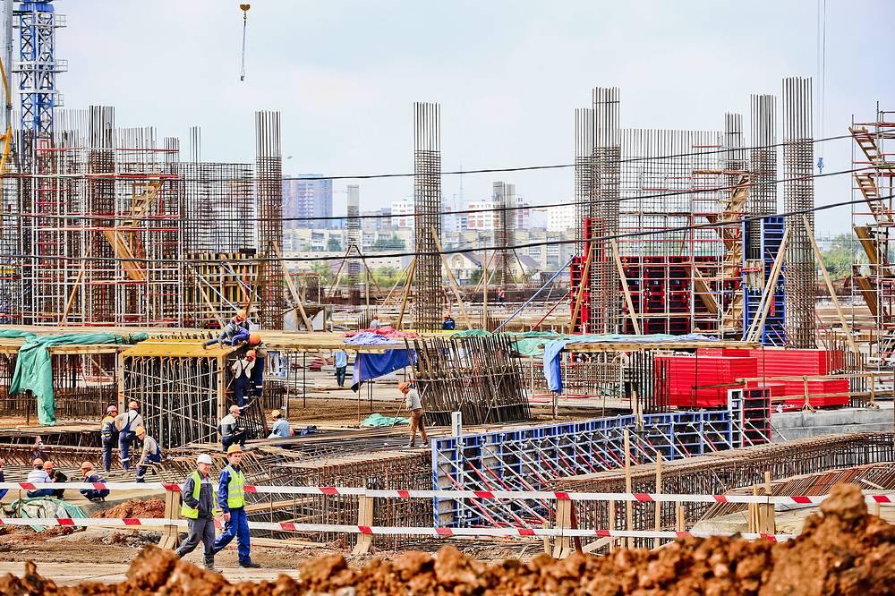 Самара. Cosmos Arena (вместимость - 45 тыс. зрителей). Строительство арены ведется с 2014 года. Срок сдачи объекта - 15 декабря 2017 года