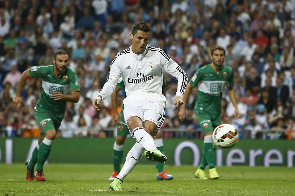 В предыдущем сезоне португальский нападающий принял участие в 57 матчах, забив 63 мяча