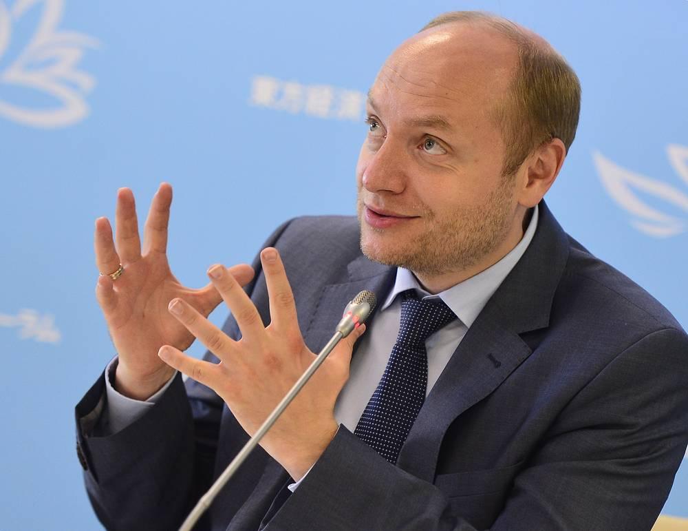 Министр РФ по развитию Дальнего Востока Александр Галушка во время пресс-брифинга по итогам Восточного экономического форума