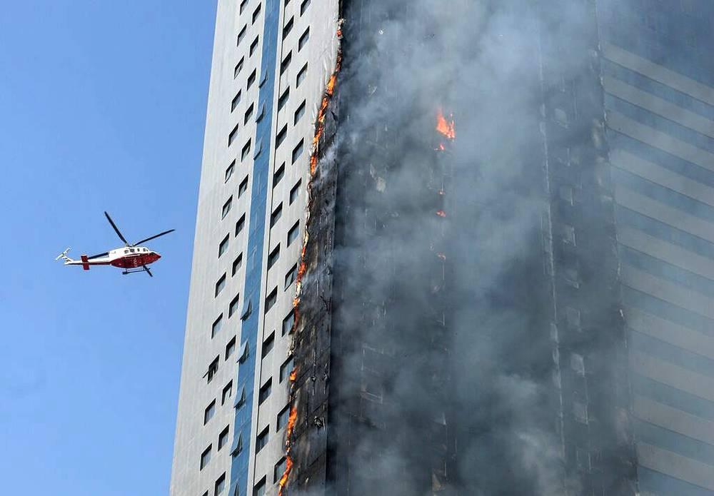Пожар в небоскребе в Шардже, ОАЭ, 1 октября